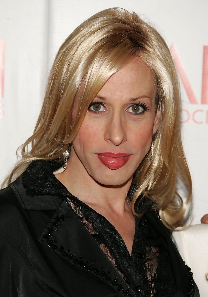 Alexis+Arquette+Shoulder+Length+Hairstyles+f1k8iYISzVex